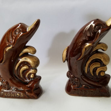 Dolphin  Salt and Pepper Shakers, Souviner of Florida      (899)