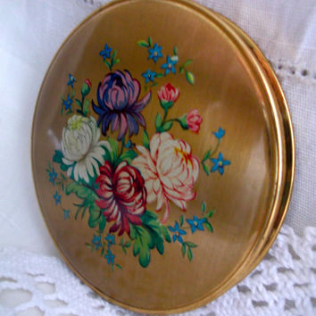 Unused floral powder compact British made with sifter & powder puff. Pretty chrysanthemum design. Ideal Mother's Day gift.