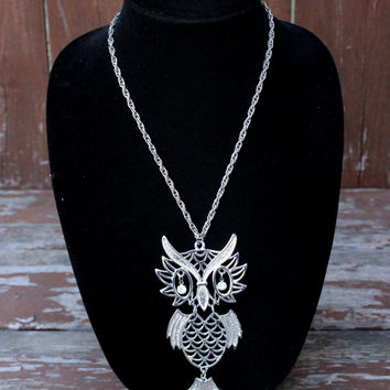 Vintage Owl Pendant Necklace with Rhinestone Eyes - Silver Toned Jewelry