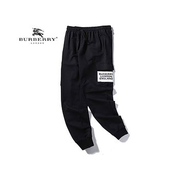Burberry fashionable and casual pair, has been selling overalls with printed logos Black