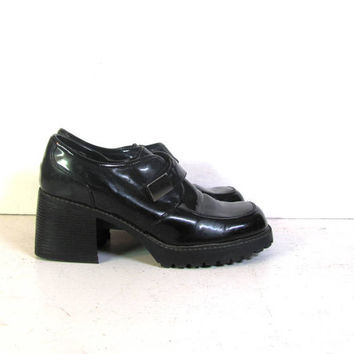 vintage black patent loafers. chunky heel loafers. modern slip ons. women's shoes size 10