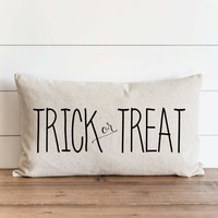 """Halloween """"Trick or Treat"""" 16 x 26 Pillow Cover"""