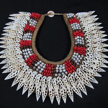 Papua New Guinea Large Ceremonial Two Banded White Coral Shells And Seeds Necklace. Bridal Necklace With Coral Shells and Seeds