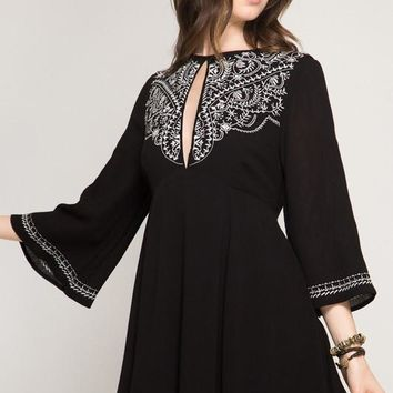 Dress W/ Bohemian Embroidery & Keyhole