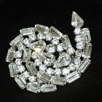 Verified Juliana DeLizza Elster DE Brooch Rhinestone Brooch D&E 1960s 60s Mid Century High Fashion Hollywood Regency Wedding Bride Bridal