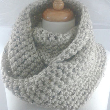 Large Chunky Infinity Scarf Wool Blend Thick Knit Scarf Unisex Womens Crochet Cowl Scarf Mens Accesories Oatmeal Cream Off White