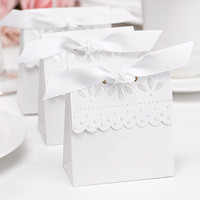 Scalloped Favor Boxes in White and Ivory