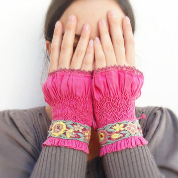 $137.00 Wrist Spoilers Hand Smocked Vintage Lace Hand by StaroftheEast