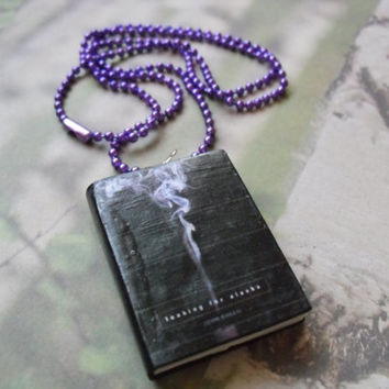 Looking for Alaska book necklace