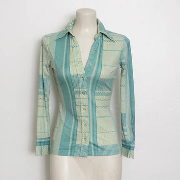 Vintage 1970s Futuristic Shirt / Geometric Patterned Print Nylon Button-down / 70s Disco Top