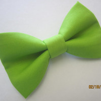 Men green bow tie, Lime green bow tie, Light green bow tie, boy green bow tie, wedding lime green bow tie, Handmade adjuster bow tie