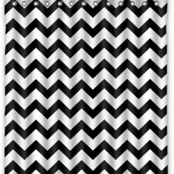 "60"" x 72"" Black & White Chevron Polyester Shower Curtain"