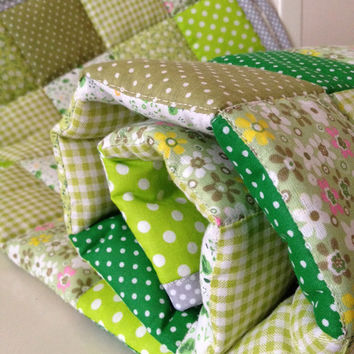 Green baby blanket~ baby quilted blanket~ girl cot quilt~ patchwork~ crib quilt~ nursery blanket~ flowers spots~ shabby chic~ nursery quilt