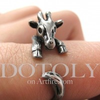 Baby Giraffe Animal Hug Wrap Ring in Silver PREORDER - Sizes 4 to 9