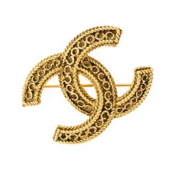Chanel Vintage Embossed Horseshoe Logo Brooch - Vintage Heirloom - Farfetch.com