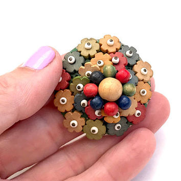 Vintage Czech Wooden Bead Brooch, 1940s Miriam Haskell Style, Wooden Flower Bead Pin, Glass Bead, Multi Color, Domed, Vintage Jewelry