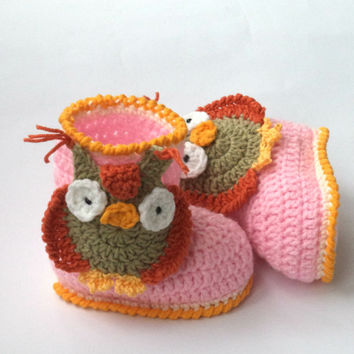 Crochet Baby Owl Hat with Ear flaps. Crochet Baby Owl Booties. Size1 to 6 months.  Knitted Baby Booties/Baby Boots/Baby Bootees