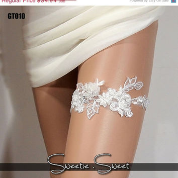 SALE 40% OFF Wedding Garter, Bridal Garter, Floral Garter, Flower Garter, Lace Garter, Wedding Keepsake, Toss Garter, Rhinestone Garter GT01