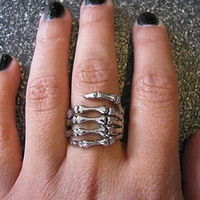 New Hot 2012 Goth Punk Antique Silver Skeleton Hand Skull Ring