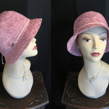 Vintage 1980s Betmar Dusty Rose Cloche Hat with Logo