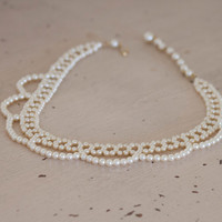 Faux Pearl Choker, 1960s fake pearls, Pearl Necklace, Scallop Design, Mad Men Style, Feminine Vintage Syle, Romantic Jewelry, Ivory Pearls