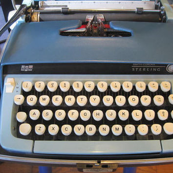 Vintage 1960s Smith Corona Sterling Typewriter Manual SCM Teal Blue Beige with Case