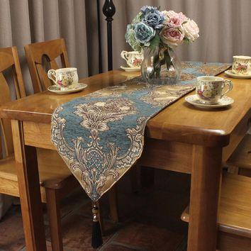 Elegant European Royal Style Chenille Jacquard Luxury Table Runners for Formal Classic Vintage Home Table Decoration Custom Size