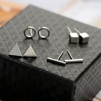 ONETOW BeautyWay Trendy 4pair/Set Geometric Triangle Round Square T Bar Stud Earring for Women Fashion Silver Gold Black Alloy Earrings