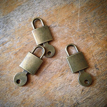 6 Pcs Lock & Key Antique Bronze Vintage Style Padlock Lockset Pendant Charm Jewelry Supplies (C028)