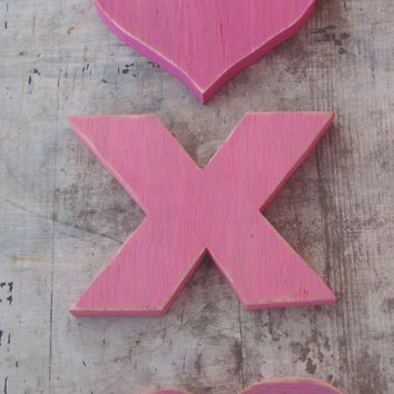 XOXO. Reclaimed Wood Hugs and Kisses Sign. Wood Sign. Valentines Sign, Teen Sign. Made to Order