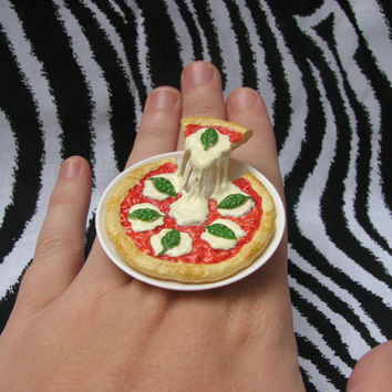 Mozzarella and Basil Floating Pizza Ring by MegEMays on Etsy