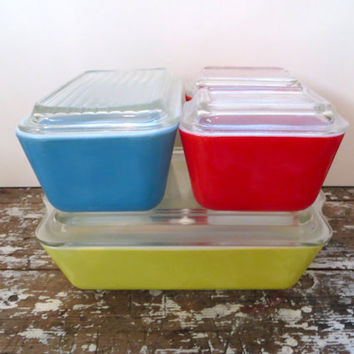 Vintage Pyrex Primary Refrigerator Set Storage Set Pyrex Dishes