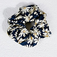 Daisy Scrunchie in Navy - Urban Outfitters
