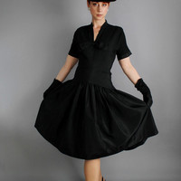 SALE - Vintage 1950s Classic  Little Black Dress. Party Dress. Cocktail Dress. Taffeta. Audrey Hepburn. Wedding Bridesmaid