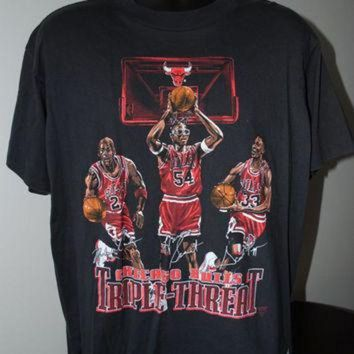 CREYUG7 90's Michael Jordan, Scottie Pippen & Horace Grant Chicago Bulls Triple Threat T-Shirt