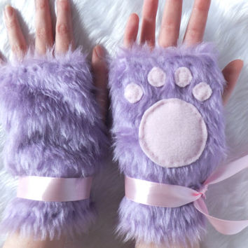 Cute Lilac Purple Pink Black Furry Cosplay Cat Kitty Neko Paw Fake Fur Fingerless Gloves Wrist Warmers Kawaii Halloween Festival Costume