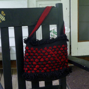 Crochet Black and Red Triangles Loop Purse