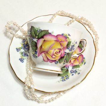 Royal Vale Tea Cup and Saucer, Yellow Roses Tea Cup, English Bone China, Shabby Chic Decor, 1950s, Vintage