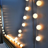 Promotion 2 Packs of White Cotton Balls Hanging Lights Patio Wedding String Lights (20 Lights/Set)