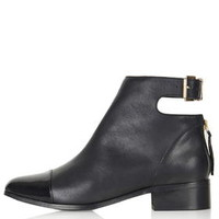ACE Back Buckle Boots - Black