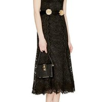 Sleeveless Lace Dress With Flower Brooch Belt