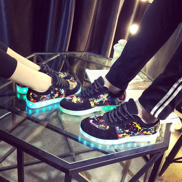 Stylish Lightning Shoes Round-toe Flats Couple LED Lights [6734564231]