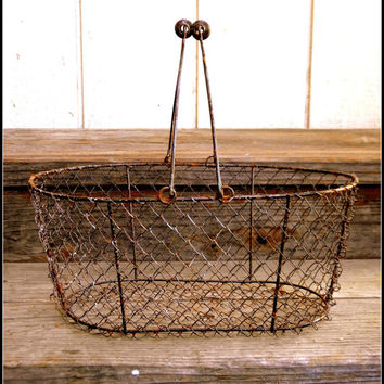 Oblong Gathering Primitive En Wire Style Naturally Rusted Basket With Swing Handles