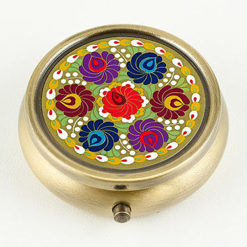 Handmade Pill Box or Ring Box with vintage Art Deco Floral Bouquet design, Wedding or Engagement Ring Box, Bronze tone, women's accessory