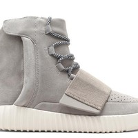 YEEZY 750 BOOST lbrown