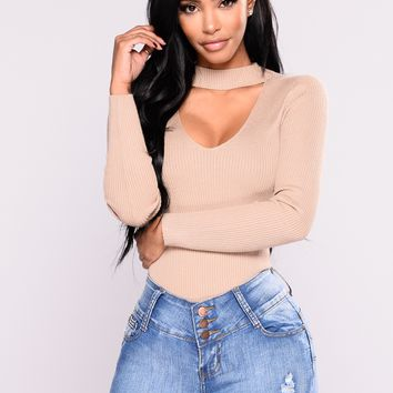 Alecia Choker Neck Sweater - Khaki