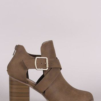 LMFIW1 Crisscross Buckled Strap Cutout Chunky Heeled Ankle Boots