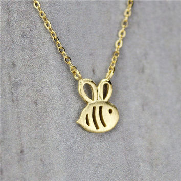 Gold Bee Pendant Necklace, Sterling Silver Bee necklace, Bee charm Necklace,Honey Bee Necklace,Bumble Bee Necklace,Bee Jewelry,gift for her