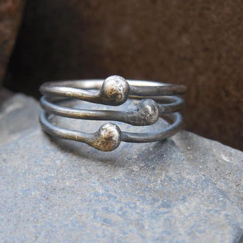 Sterling silver triple ring, antique silver ball ring, simili stacking ring. Size US 6.75. Organic jewelry, rustic, primitive.