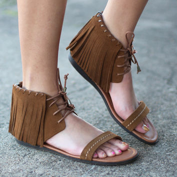 Minnetonka: Havana Fringe Lace Up Sandal {Dusty Brown}